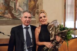 Artelibro 2013 - Bicentenario Verdiano - Felicia Bongiovanni e il Sovrintendente di Bologna Francesco Ernani