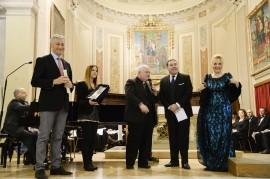 La Bellezza in Musica don Agostino Fornasari sta per ricevere la Caveja  Premio Riconoscimento UNESCO per una Cultura di Pace dal Pres del Club Unesco di Forlì Pierluigi Gianquitto, con loro Felicia Bongiovanni Madrina della serata