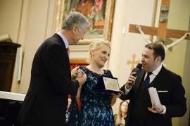 Premiazione –Riconoscimento UNESCO per una Cultura di Pace a Francesco Ernani ,Sovrintendente del teatro Comunale di Bologna ,Madrina e Promotrice del Premio Felicia Bongiovanni