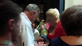 ROF 2014 - Felicia Bongiovanni attorniata dai suoi fan