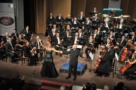 1 ALGERIA Felicia Bongiovanni e il M° Francesco Di Mauro Opéra Italien Alger 11-2012 (16) 3