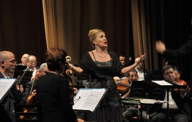 2 ALGERIA Felicia Bongiovanni e Opéra Italien Alger 11-2012 (16)