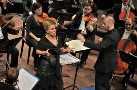 5 Algeria Felicia Bongiovanni  e il M° Francesco Di Mauro Algeri Teatro Nazionale