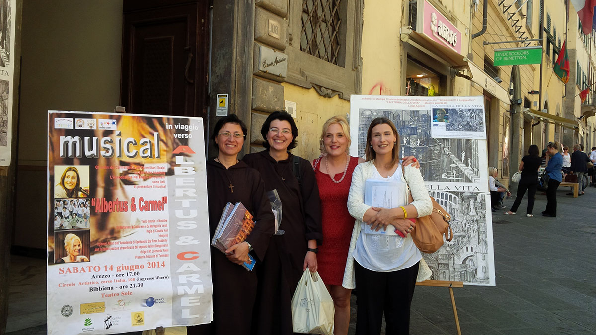 Albertus & Carmel Arezzo 14 giugno 2014 Felicia Bongiovanni ,sr Giulia Verdi, sr Rosaria Calabrese e Claudia Koll.