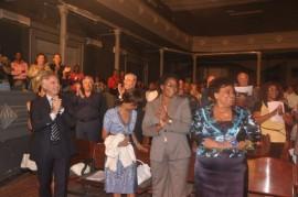 Angola 2011 Luanda Teatro Nazionale  standing ovation