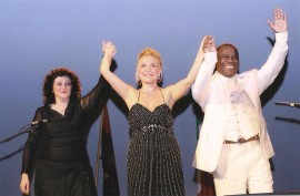 Felicia Bongiovanni Ambasciatrice del Bel Canto nel mondo Angola 1